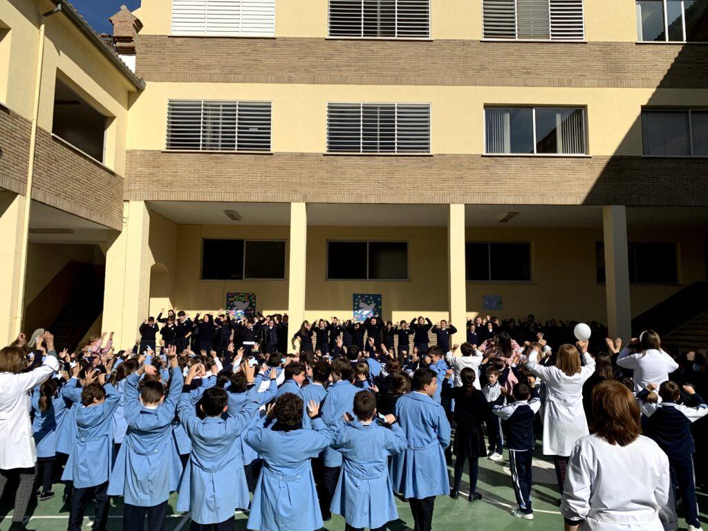 Celebración del día escolar de la No Violencia y de La Paz. Infantil y Primaria.